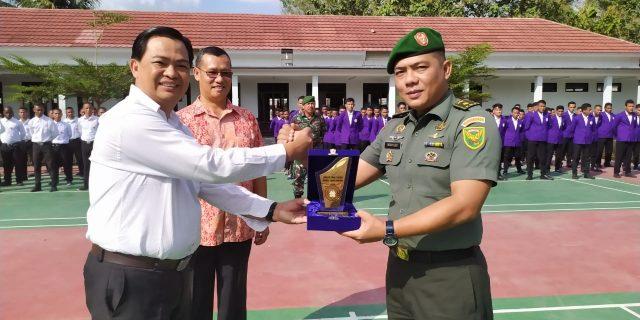 Latihan Bela Negara STT Mawar Saron ditutup