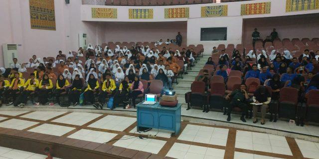 Kodim 0426 Laksanakan Pemutaran Film Dokumenter Untuk Siswa SMA sederajat Dalam Rangka Komsos Kreatif