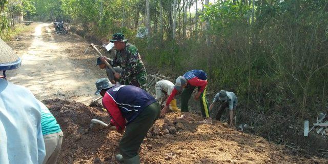 Gotong Royong Jadi Soko Guru Kehidupan di Desa Kata Serda Najmi