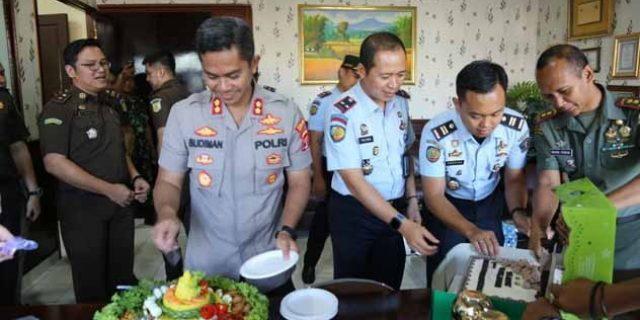 Ulang Tahun ke- 44, Kapolres Lampung Utara Dapat Kejut