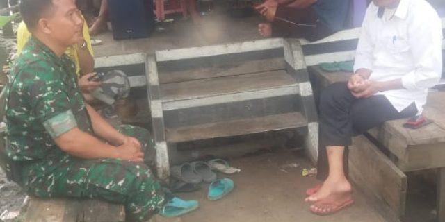 Sertu Imam Ropingi Silahturahmi ke Rumah Warga.