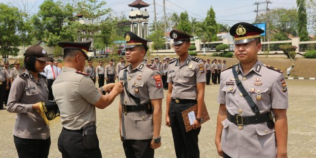 Waka Polres Lampung Utara Pimpin Upacara Sertijab Kasat Narkoba