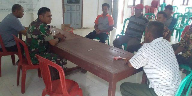 Babinsa Koramil 426-02/ Mgl Jalin Tali Silahturahmi Dengan Aparat Kampung.