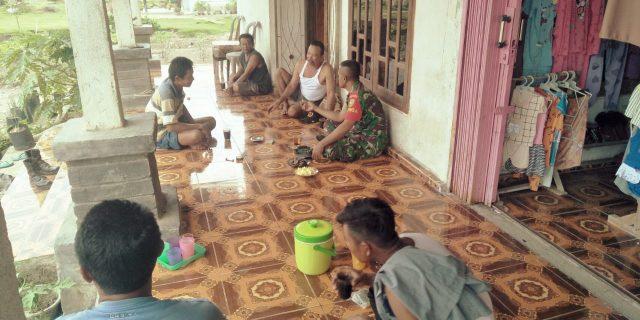 Sertu Ribut Diantoro Salurkan Aspirasi warga ke Aparat Desa.