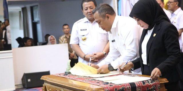 Umar Ahmad SP, tandatangani Perjanjian kesepakatan Bersama-sama