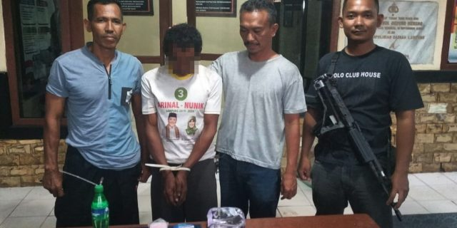 Asyik Pesta Narkotika di Rumah, Satu Dari Tiga Pelaku Ditangkap Polsek Dente Teladas