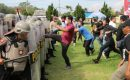 Polres Tulang Bawang Bubarkan 500 Massa Anarkis di Mapolsek Banjar Agung