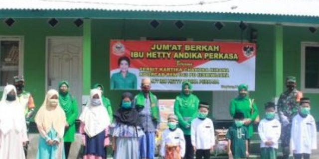 Jum' at Berkah, Persit Kartika Chandra Kirana Cabang XLIX Kodim 0426 Tuba Juga di laksanakan dalam Rangka Hari Ulang Tahun Ibu Hetty Andika Perkasa ( istri KASAD)