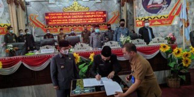 Paripurna DPRD Lam-ut dalam rangka jawaban Plt. Bupati terhadap Pandangan Umum Fraksi-fraksi
