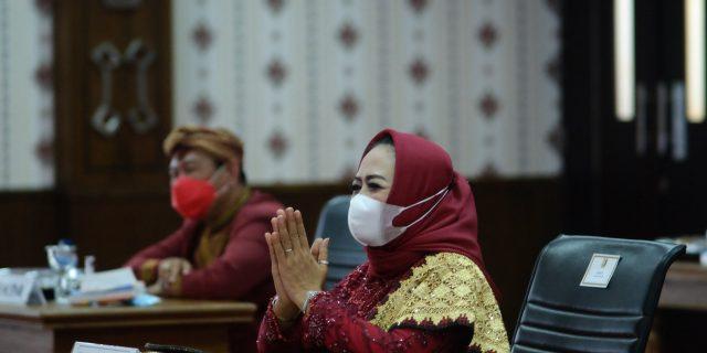Hj. Winarti Mengikuti Rapat Paripurna DPRD HUT Ke-24 Kab Tuba Secara Virtual