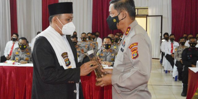 Kapolda Lampung Kunker Ke Polres Tuba, Berikan Reward Kepada Da'i Kamtibmas dan Kasat Reskrim